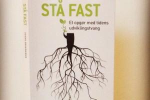 Debatbog forklædt som 7-trinsguide: Stå fast af Svend Brinkmann